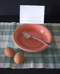 piatto e forchetta per sbattere le uova